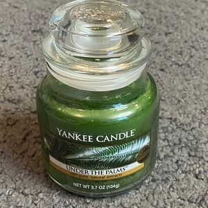 Yankee Candle Under The Palms Small Jar Candle 3.7